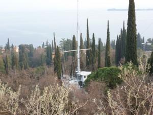 Vorschiff Marinekreuzer Puglia im Garten
